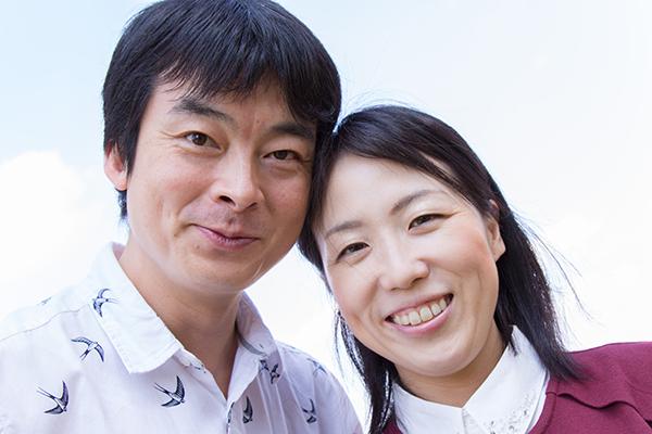 婚約記念日の夫婦