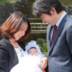 川崎市宮前区の神社に出張撮影したお宮参りの家族写真