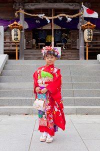 神社で撮影した七五三記念写真