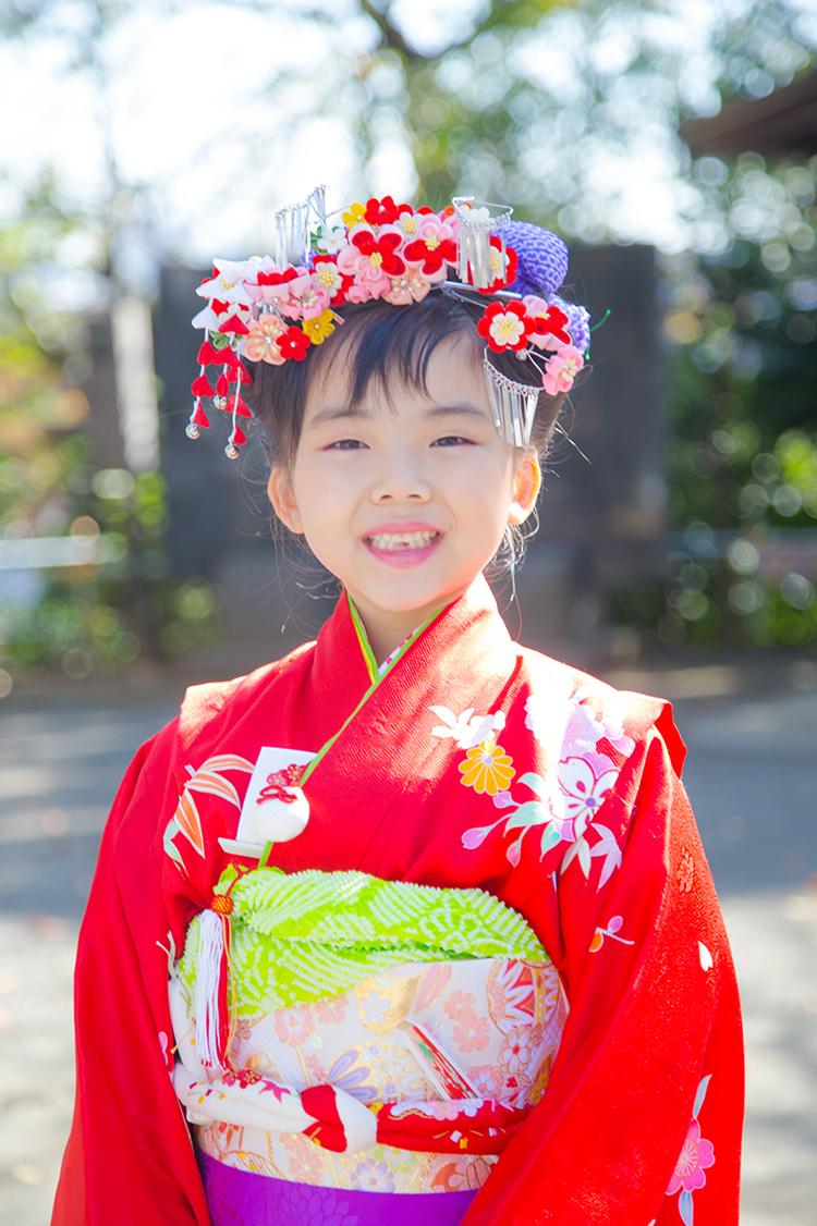 7歳の七五三詣での女の子