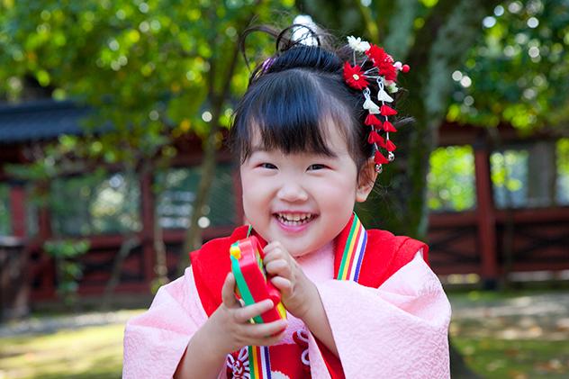 三歳の女の子の七五三記念写真