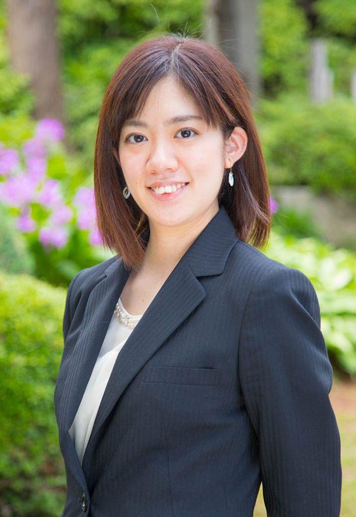 川崎市宮前区の白幡八幡大神に出張撮影したお宮参りの日のママの写真